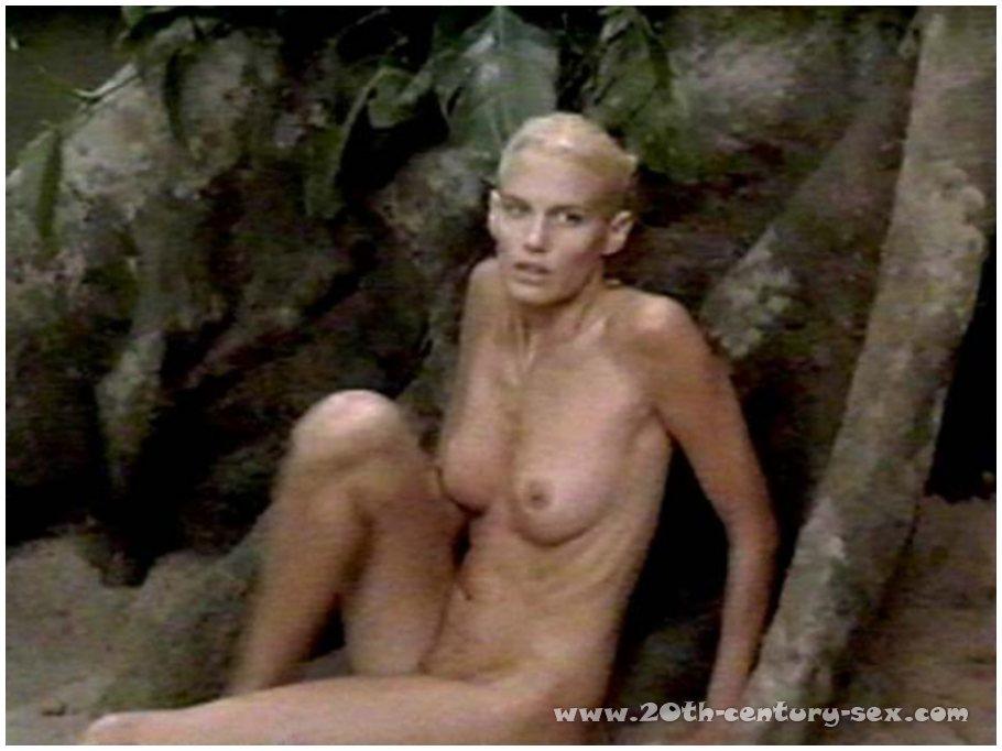 Nude daryl scenes hannah